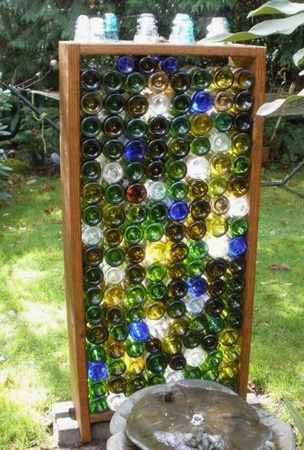 У творческих людей с фантазией все идет в дело, даже бутылкам нашли красивое и практичное применение!