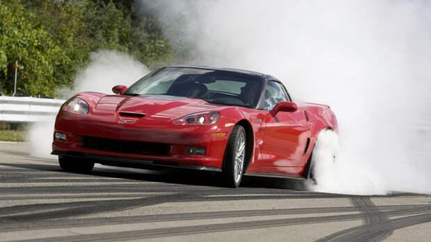 Избыточно агрессивная езда ускоряет износ всех узлов автомобиля. | Фото: op-desktop.ru