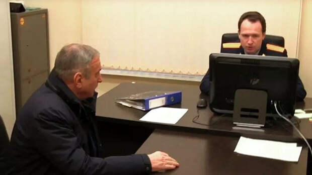 Экс-глава Кирова пойдет под суд по обвинению в мошенничестве