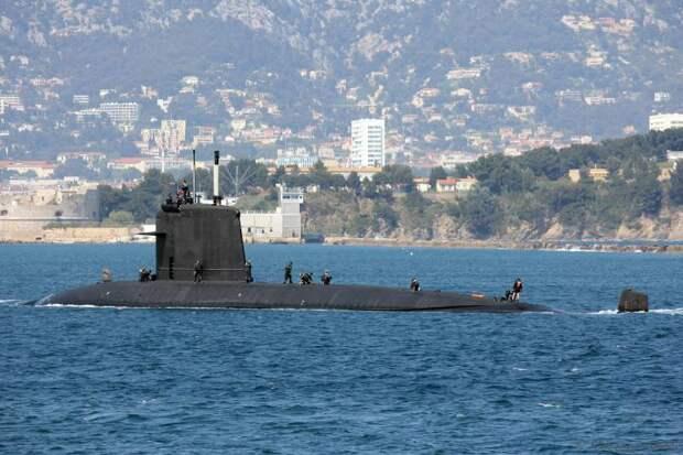 Слепить из двух половинок. ВМС Франции придумали, как спасти выгоревшую АПЛ