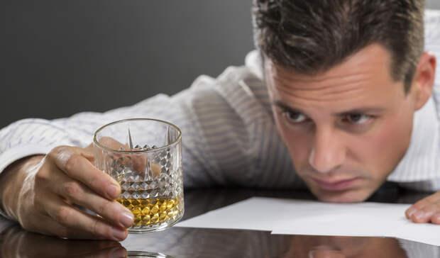 Семь неизбежных проблем, которые ждут каждого любителя выпить