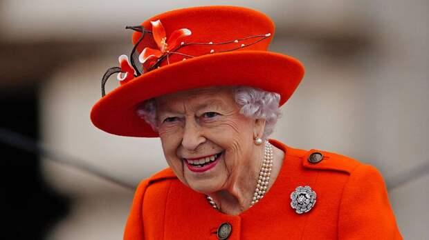 Елизавета II провела ночь в больнице