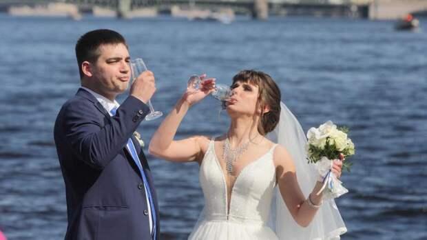 В Петербурге с начала года расписались более 11 тыс. пар