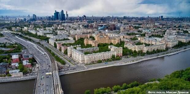 Более 50 «безмасочников» выявили сегодня в торговых центрах ЮВАО. Фото: М. Денисов mos.ru