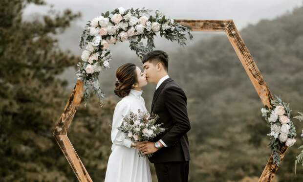Жених отомстил невесте за измену прямо на свадьбе, и её любовник — член семьи