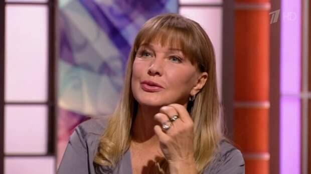 Молодой актер обвинил Елену Проклову в домогательствах