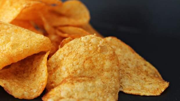 Диетолог рассказала об опасности питания всухомятку