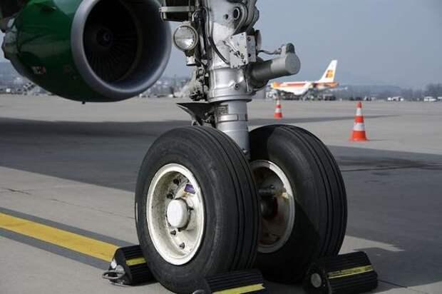 В аэропорту «Шереметьево» совершил экстренную посадку самолет Boeing 777