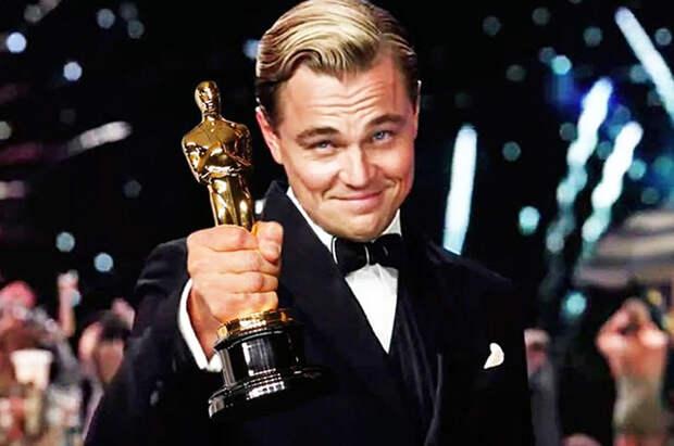 """Триумф ДиКаприо, любвеобильный Траволта и звездные наряды: лучшие мемы за историю """"Оскара"""""""
