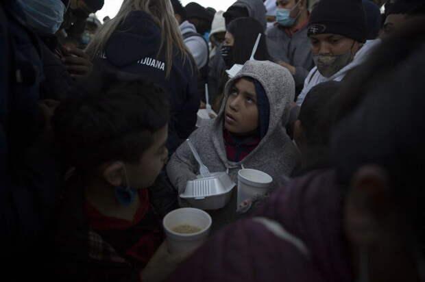 Белоруссия открыла проход для беженцев в Европу. Европа в панике
