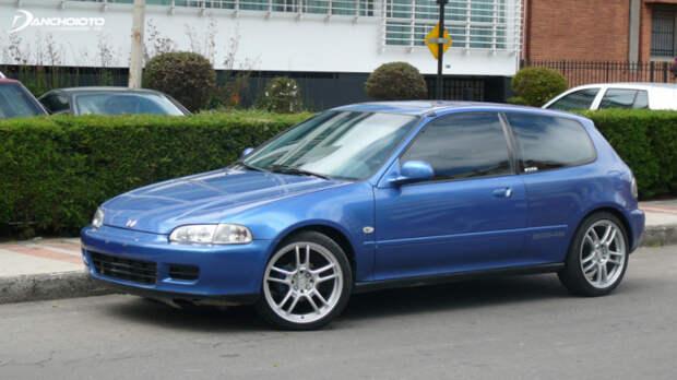 Самый массовый автомобиль японской компании.  Фото: bestcarmag.com.