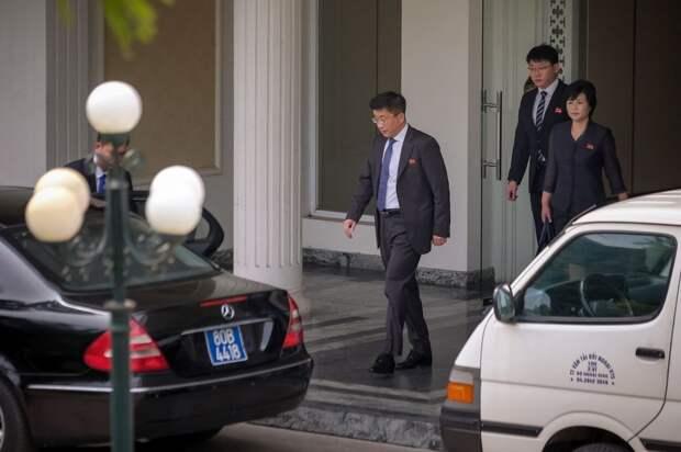 По обвинению в шпионаже дипломатов КНДР казнили после саммита с США