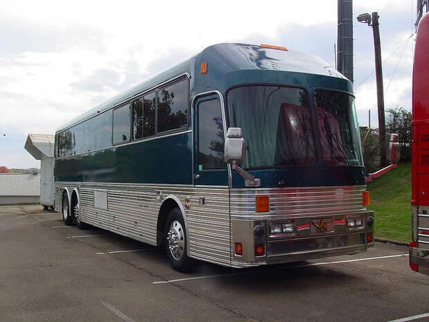 Eagle 15 Tour Bus