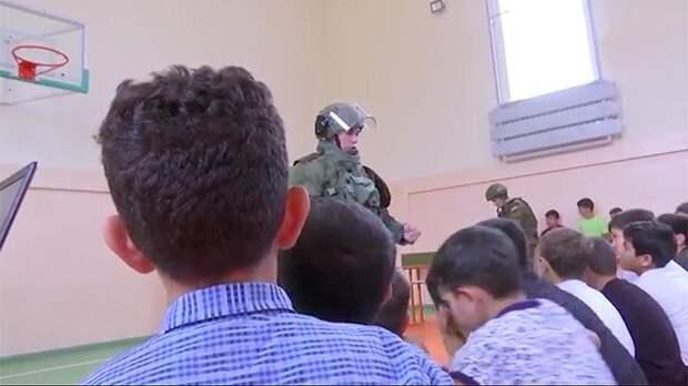 Российские миротворцы провели интерактивный урок для детей в Карабахе