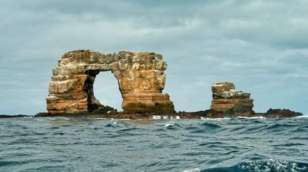 НаГалапагосских островах обрушилась Арка Дарвина