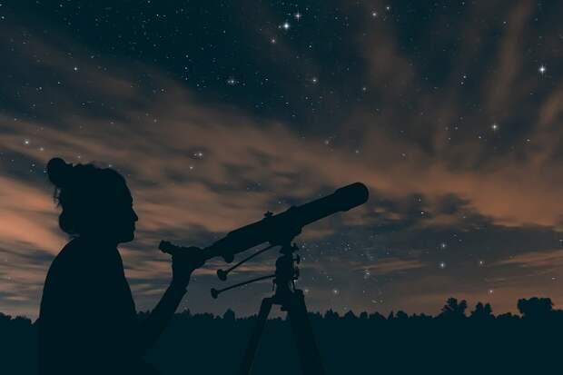 Когда можно наблюдать за звездопадом