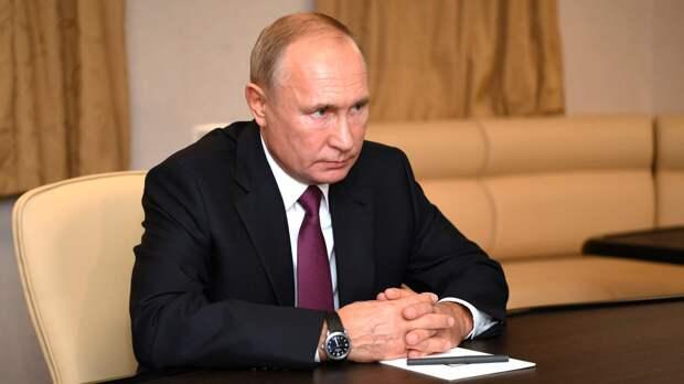 Президент России назвал недопустимым введение односторонних санкций