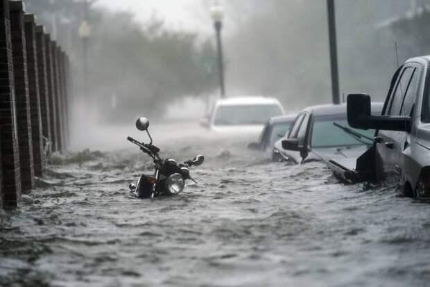 Улица во время наводнения