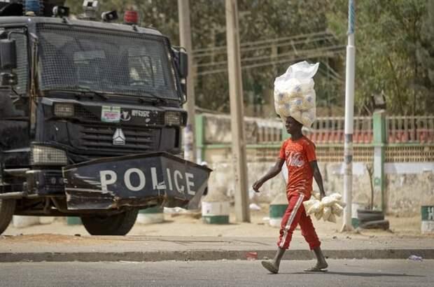 В Нигерии боевики похитили 27 школьников