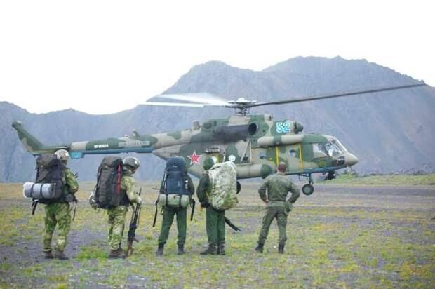 Горные стрелки совершили десантирование в районе Эльбруса