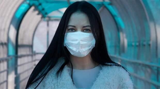 Дерматологи предупредили о рисках неправильного ношения медицинских масок