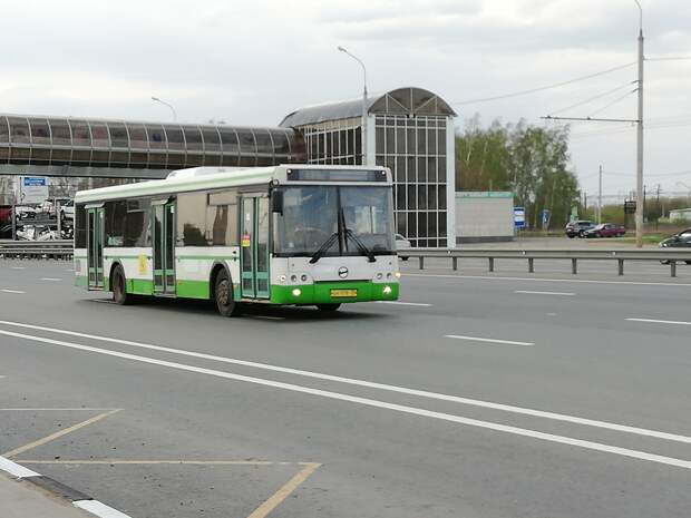 Новая партия подержанных автобусов из Москвы прибыла в Рязань