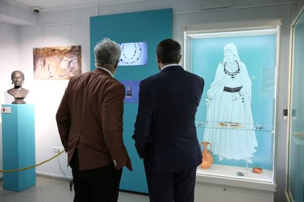 В Херсонесе открылась выставка с артефактами, найденными при строительстве «Тавриды»