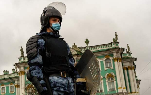 Автозаки и электрошокеры: итоги несогласованной акции в Петербурге