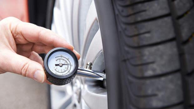 Давление в шинах - крайне важный показатель для расхода топлива.   Фото: assets.autobuzz.my