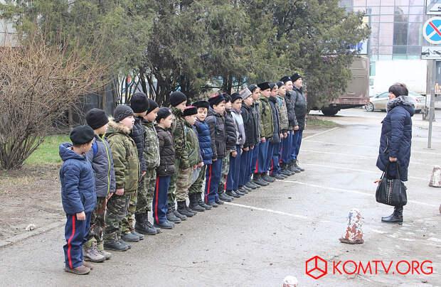 Построение кадетов феодосийской казачьей школы «Джур» полка МСК