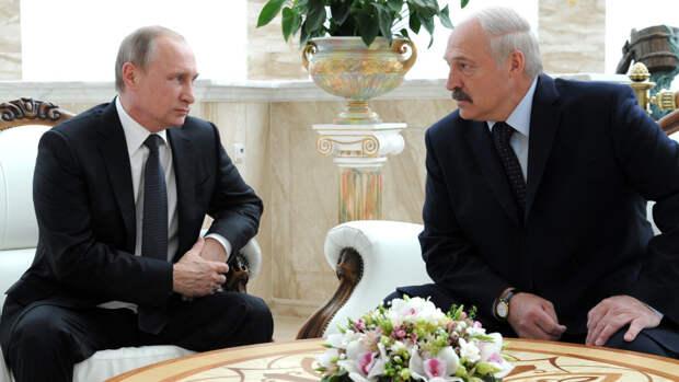 В Baijiahao объяснили, что значила усмешка Путина на фоне слов Лукашенко об «объединении» РФ и РБ
