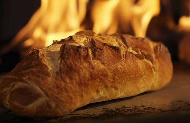 Зачем в Израиле каждый год хлеб сжигают на кострах