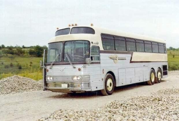 01 Eagle Bus seated