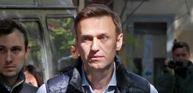 Климов рассказал, как и где следы «Новичка» могли попасть в анализы Навального