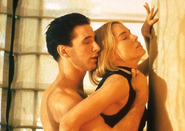 10 самых неловких сексуальных сцен в кино