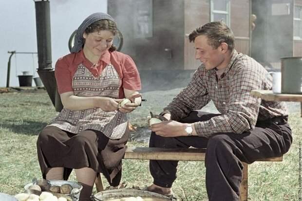 Почему мужчины скучают по СССР, а женщины – не очень?
