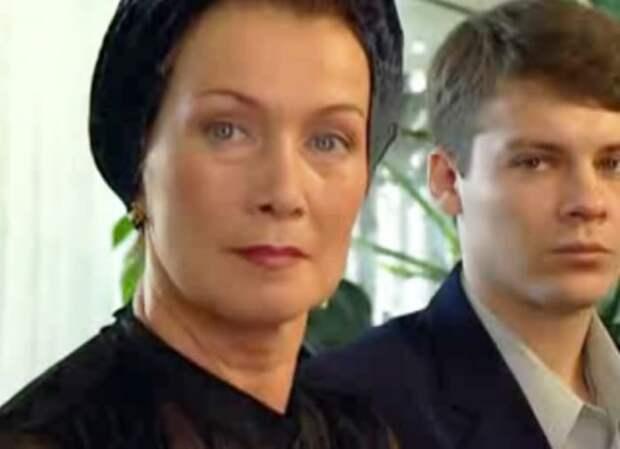 Анна Твеленева в сериале *Спецотдел*, 2002   Фото: kino-teatr.ru