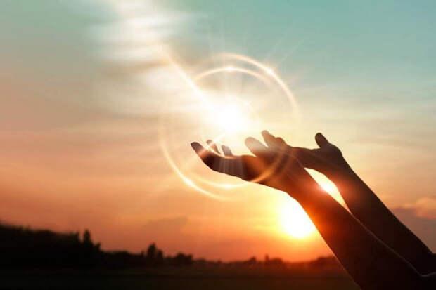 Солнечный свет уничтожает COVID в 8 раз быстрее, чем полагают ученые
