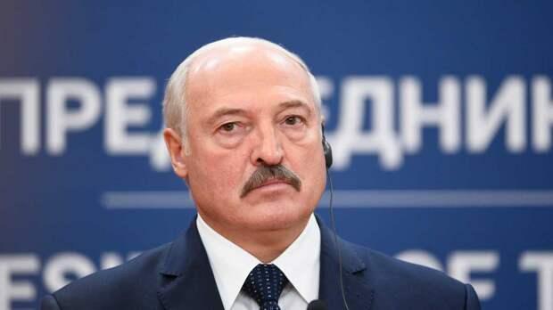 """Лукашенко намерен принять """"очень серьезное и принципиальное"""" решение за четверть века"""