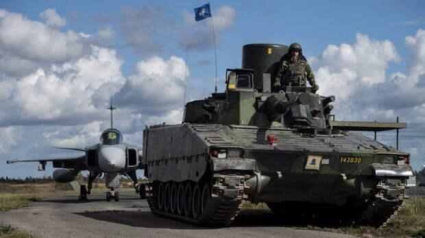 Главком шведской армии заявил об угрозе войны с Россией