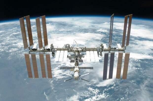 Астронавты на МКС выйдут в открытый космос для монтажа солнечных панелей