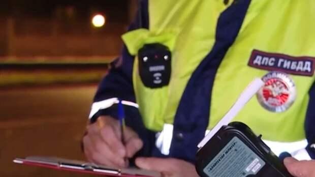 Полицейские в Екатеринбурге остановили водителя Toyota, прострелив колеса машины