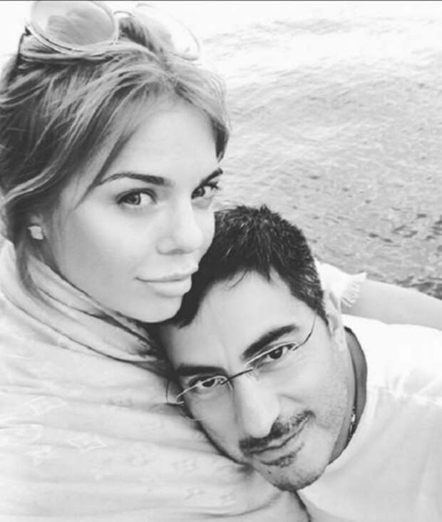 Анастасия Стоцкая рассталась с мужем