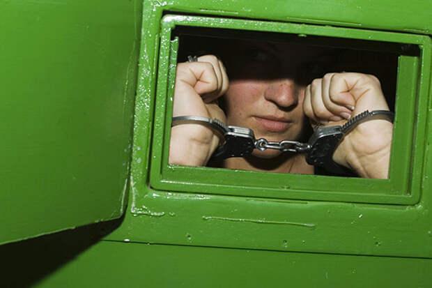 Школьницу посадили в тюрьму за не сделанную «домашку»