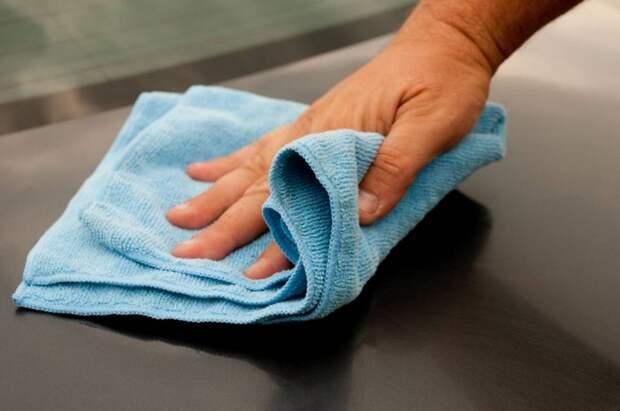 Волокна микрофибры отлично удерживают пыль. Пока не «познакомятся» с кондиционером.