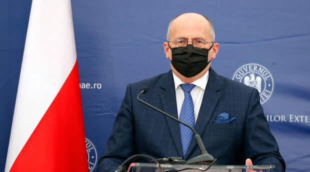 Польский министр заявил о возможности введении ковид-паспортов в Европе в июне