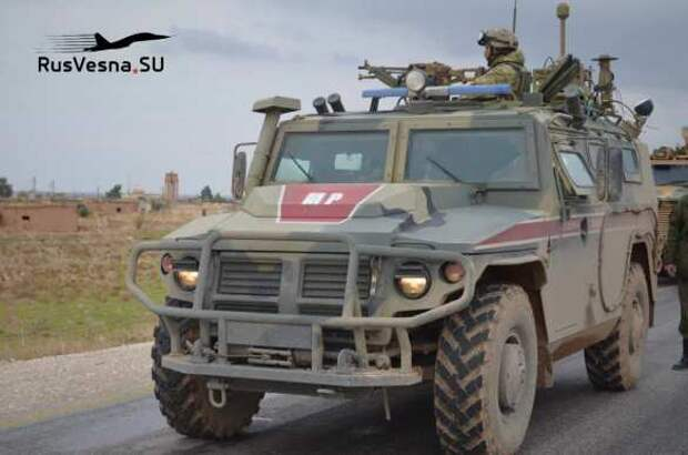 «Воры и убийцы!» — колонна армии России столкнулась с военными США у захваченных нефтяных вышек