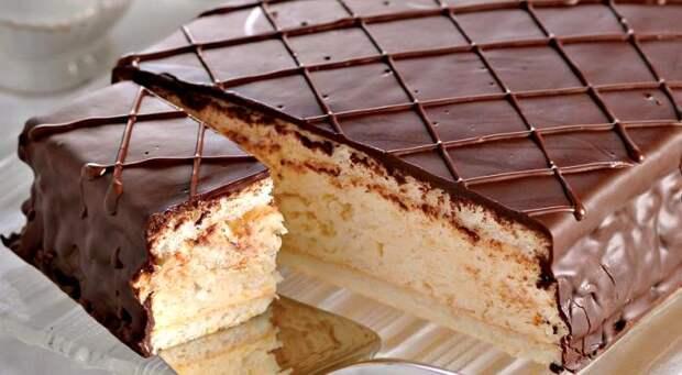 Сегодня существует много вариаций рецепта торта, однако оригинальный они затмить не могут. /Фото: gastronom.ru