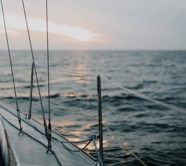 В Баренцевом море затонуло рыболовное судно, 17 моряков пропали