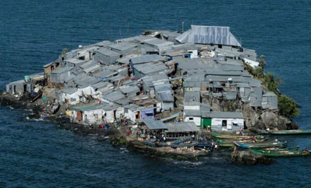 Одни развлечения и ни одной больницы: жизнь на самом густонаселенном острове мира